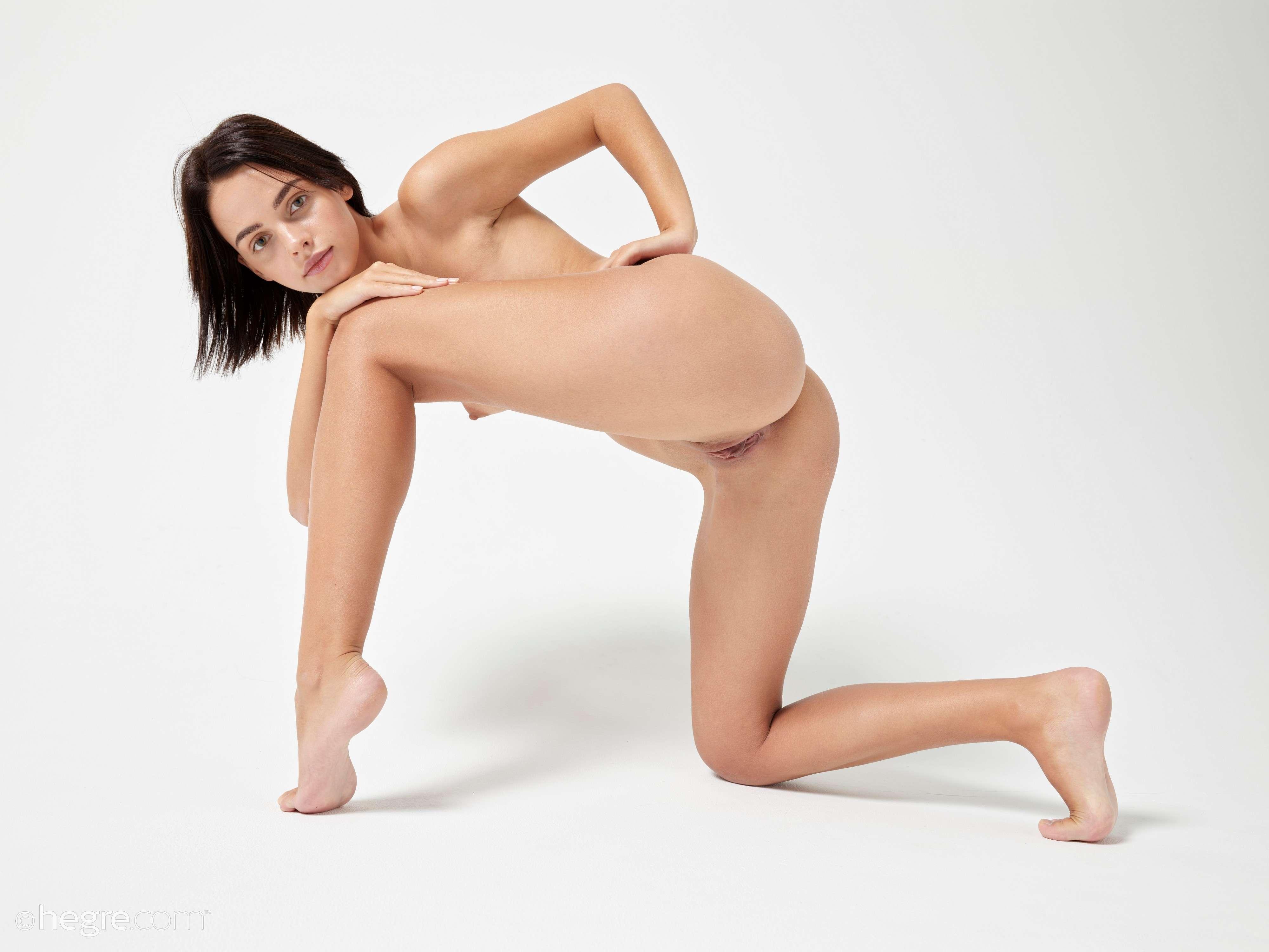 Perfect Nudes033.jpg