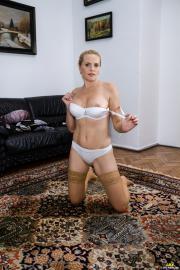 PJGirls-Lilian-in-Old-Carpet-i7dg0mwjwp.jpg