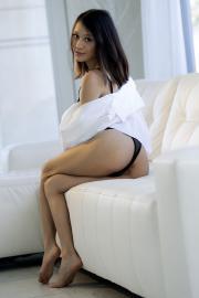 2019-03-18-MA-Jasmine-Grey-in-Morning-Routine-i7di0d7dnk.jpg