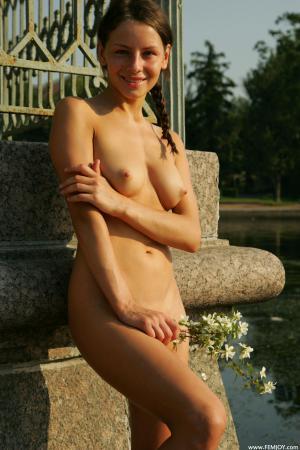 Nude vipergirls Lindsay Lohan