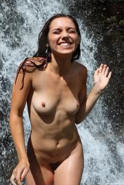 Elena Generi - Cascade (100119)